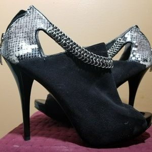 Guess Ebonita black suede with snake print